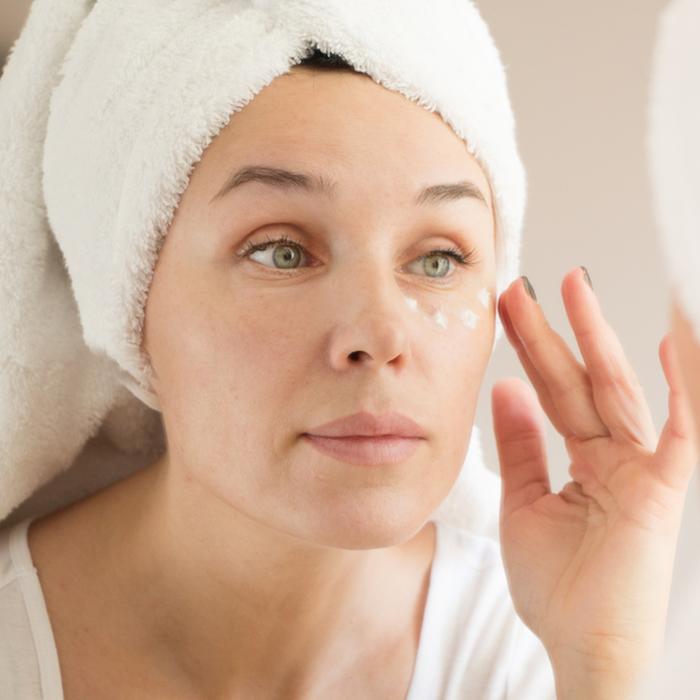 Crema occhi antirughe: perché scegliere quella di Acqua alle Rose