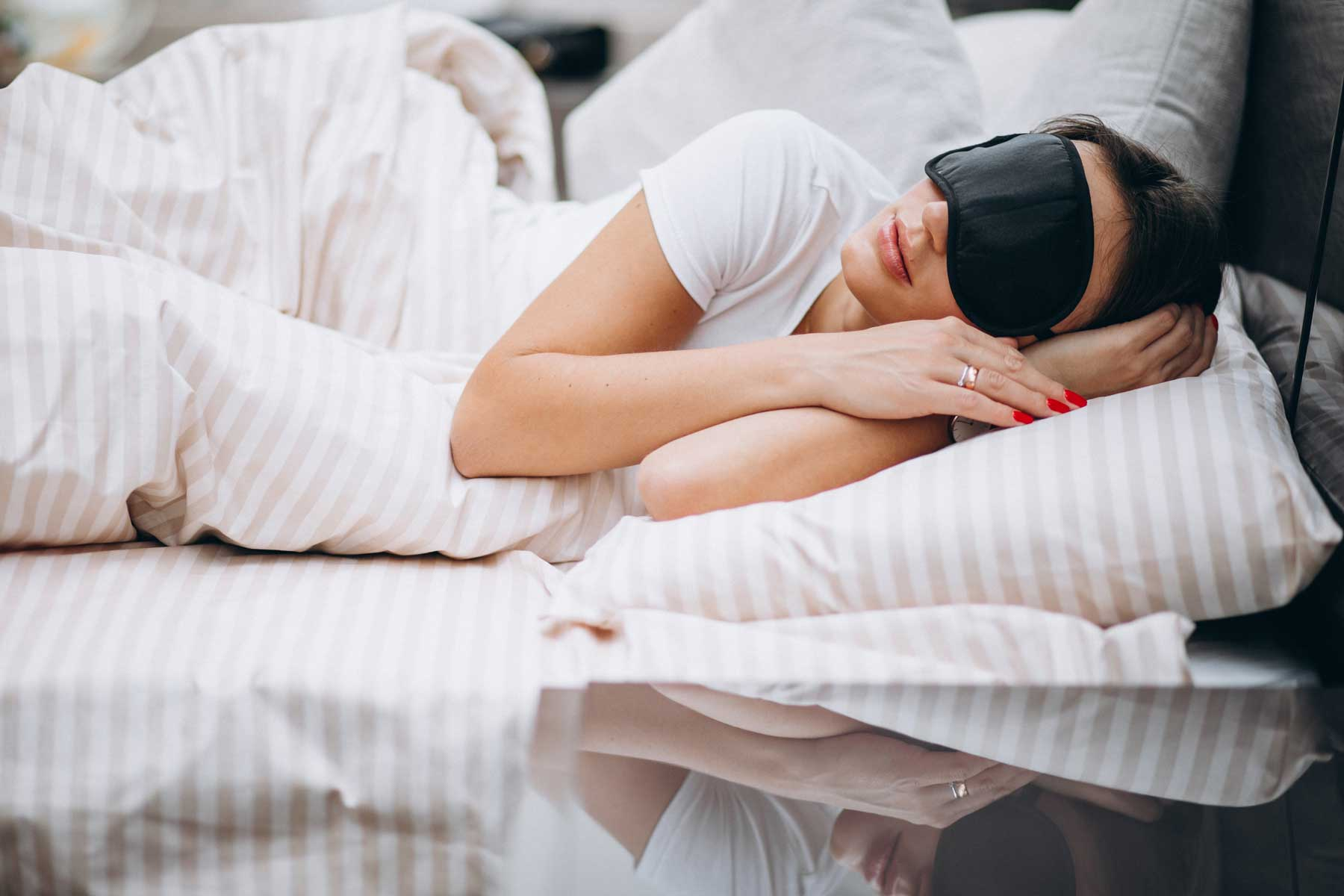 Chi riposa bene inizia la giornata meglio ed è più felice e produttivo: ecco quante ore dobbiamo dormire e come riposare al meglio secondo gli esperti..